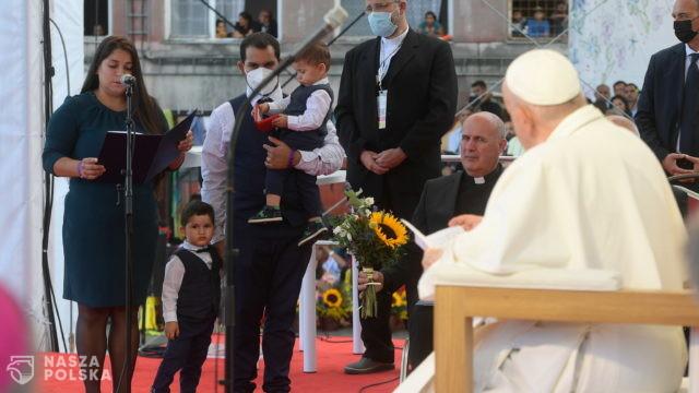 Papież na osiedlu Romów w Koszycach: zbyt często byliście przedmiotem uprzedzeń