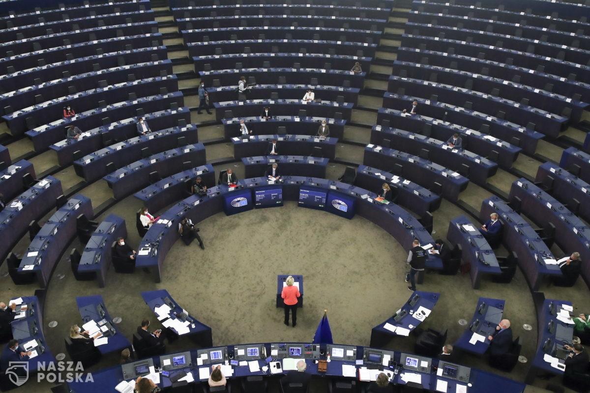 Czy Unia Europejska nam się opłaca i dlaczego niektórzy boją się takich pytań?
