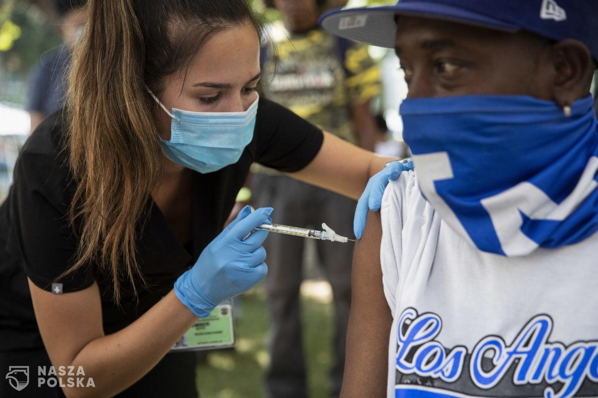 USA/ FDA zatwierdziła trzecią dawkę szczepionki przeciwko Covid-19 dla określonych grup