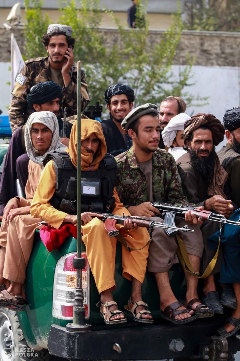 W Afganistanie wróciły egzekucje i obcinanie rąk