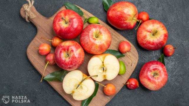 Mus jabłkowy. Sposób na więcej owoców i mniej cukru w diecie