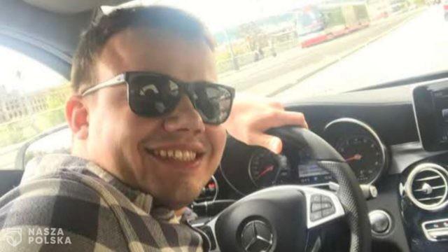 [FILM] Wyborcza publikuje nagranie ze szturmu policji na mieszkanie Łukasza, który zmarł po tej interwencji