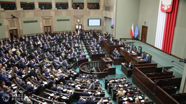 Wiceszef MON: prawdopodobnie dziś ustawą o budowie muru zajmie się Sejm