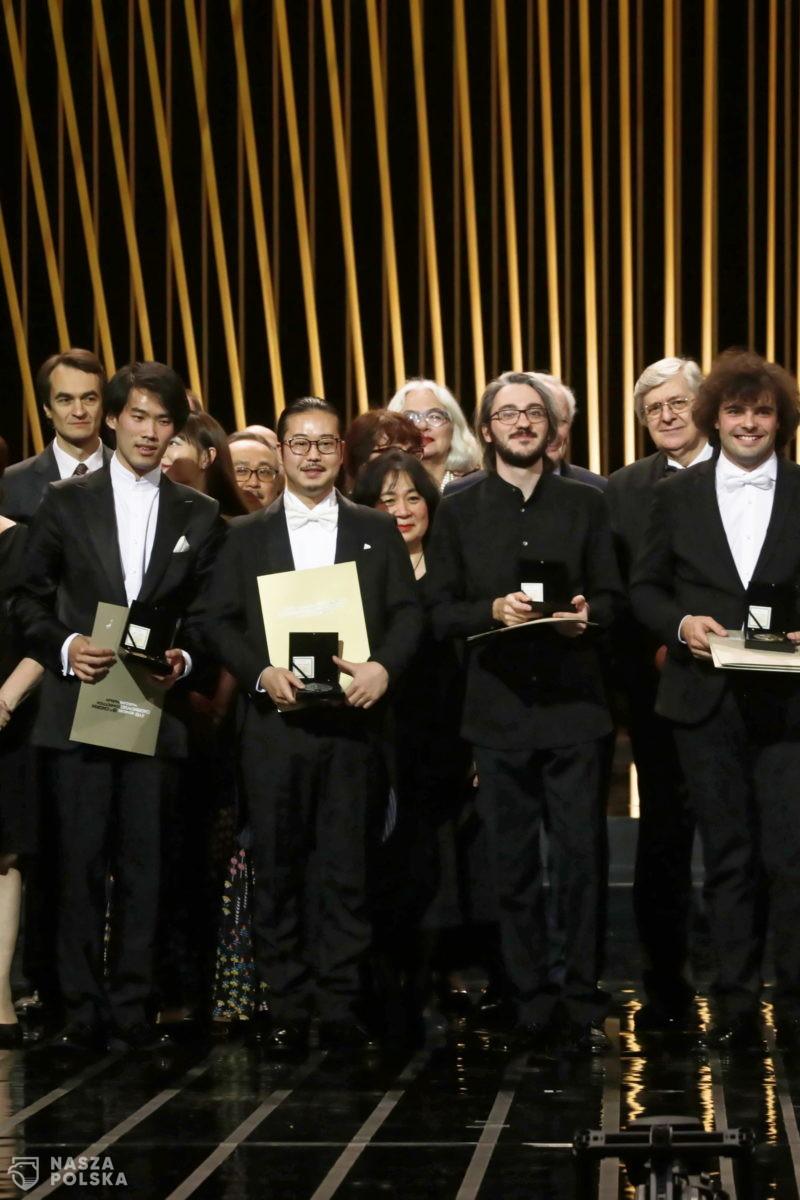Warszawa/ Laureaci XVIII Konkursu Chopinowskiego odebrali nagrody
