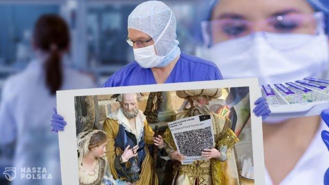 Włochy/ Kowidowa szopka. Trzej Królowie z certyfikatem szczepienia