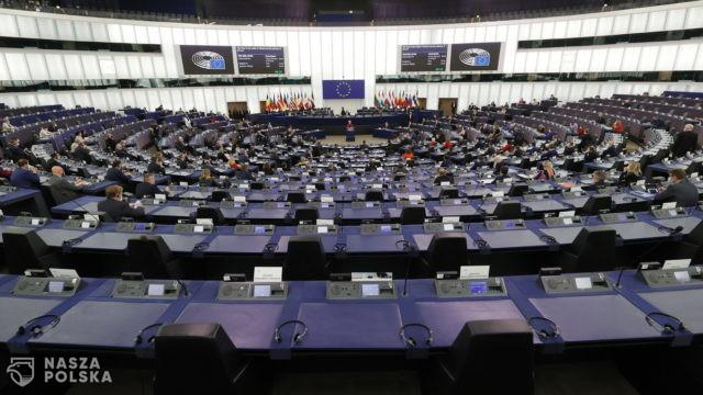 Francuski europoseł: KE i lewica w PE zwalczają niezależne państwa i konserwatywne rządy