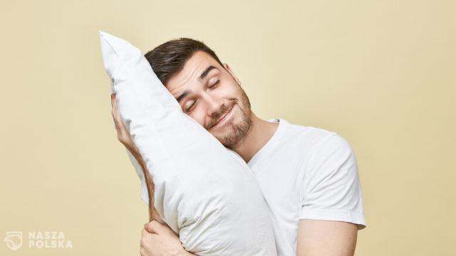 Badanie: Polacy śpią spokojnie, zwłaszcza ci, którzy dobrze zarabiają